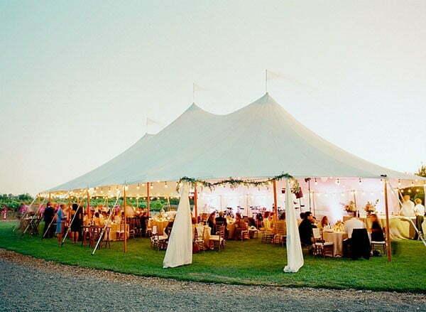 dịch vụ trang trí tổ chức tiệc cưới ngoài trời