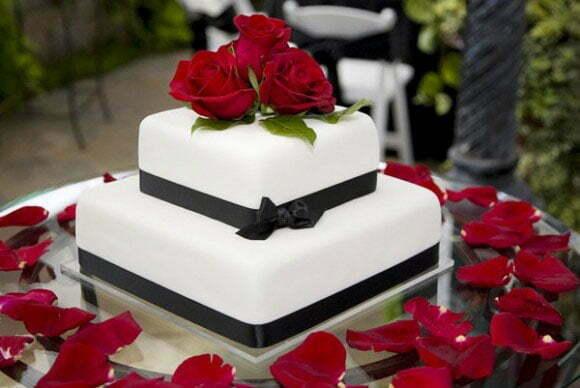bánh cưới 2 tầng đẹp