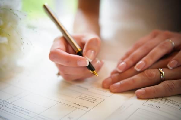 Hỏi-đáp: Muốn đăng ký kết hôn cần thủ tục gì?